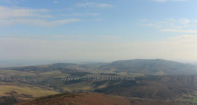 Výhled z rozhledny Jelenec směr Lopeník