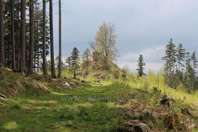 Pustý hrádek (910m)