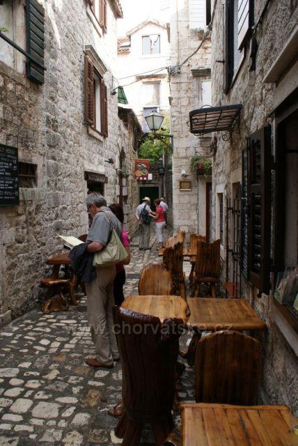V uličkách Trogiru