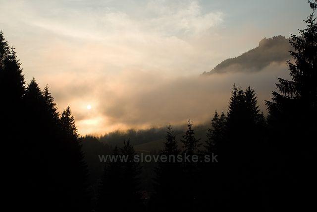 Západ slunce ve Vrátné dolině
