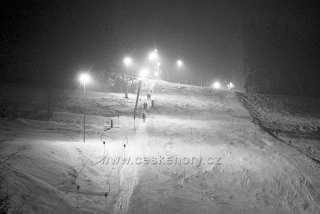 Ski areál RAZULA Noční lyžování Velké Karlovice-Bezkydy Zlínský kraj