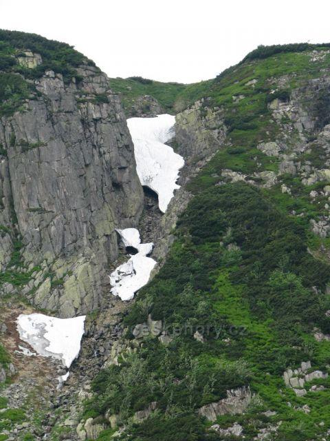 Sníh v létě nad Malým Stavem