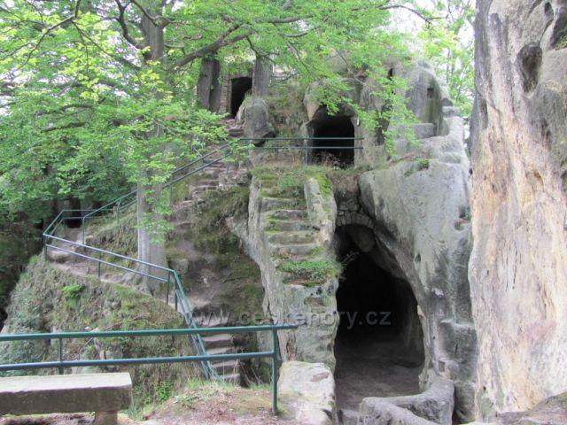 Malá Skála - zřícenina hradu Vranov