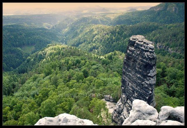 Pohled dolů - Hřensko, Pravčická brána