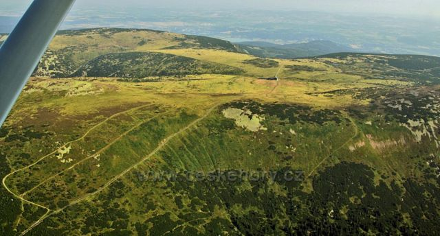Letecký pohled do oblasti Luční hory.