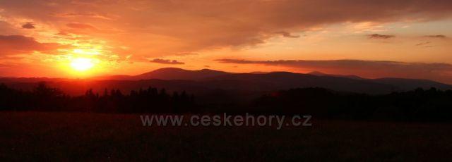 Západ slunce na Krkonošemi