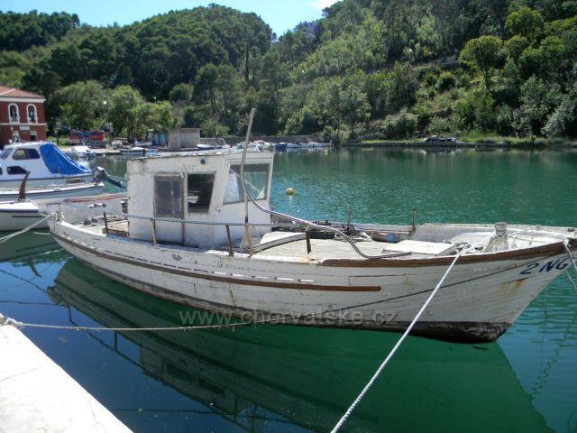 Stárnocí loď v Novigradě
