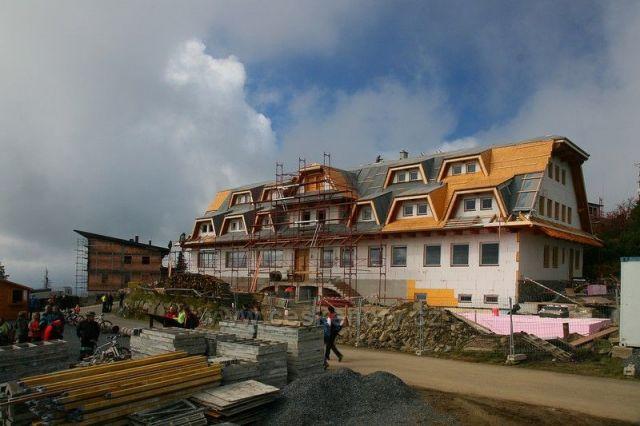 nový hotel na Lysé hoře
