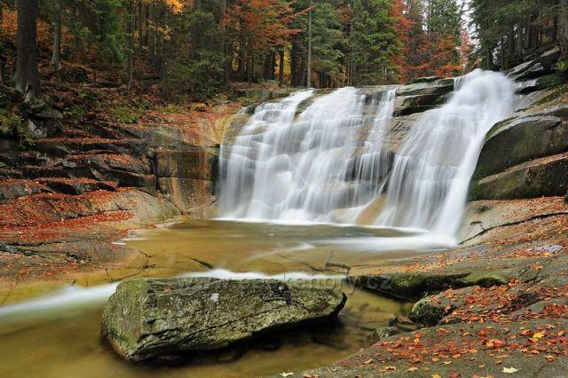 Podzimní Mumlavský vodopád