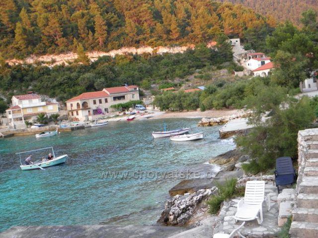 Krásná Korčula - zátoka Babina