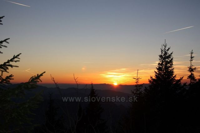 Západ slunce cestou z Velkého Choče