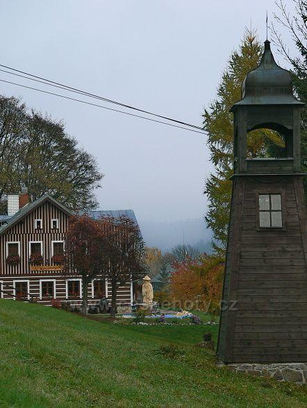 zvonička a Krakonoš na Labské-Šp.mlýn