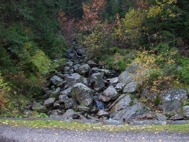 cesta přes Obří důl do Pece