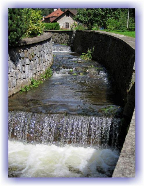 Potok Hluky v Kounově /po povodních 1998 /