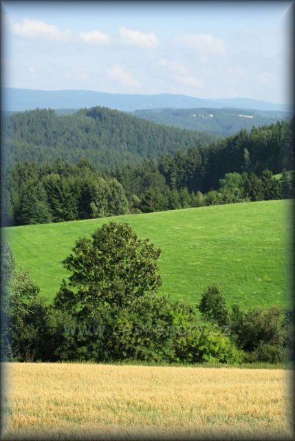 Pohled na Orlické hory z Dobrošova u Náchoda