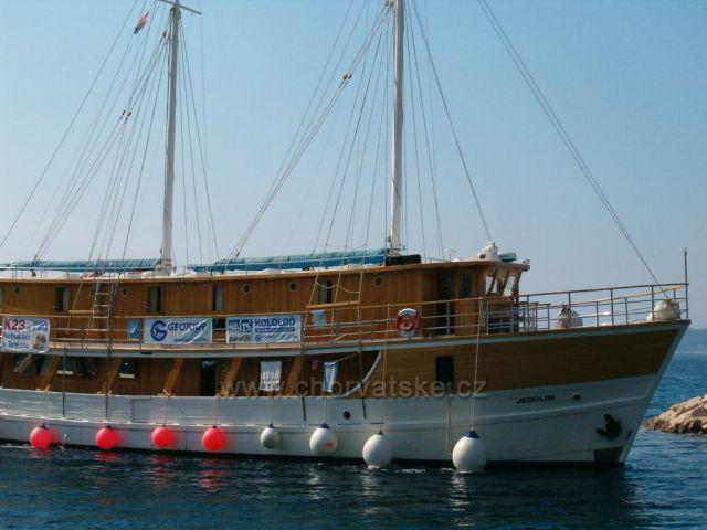 Výletní lod v Baška voda