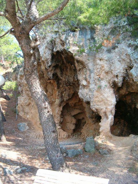 Jeskyně u Brely
