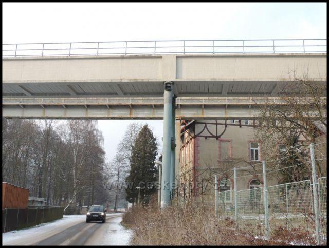 Akvadukt 70m dl a 15m vysoký -Podkrušnohorský při/e/vaděč