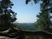 Výhled na Říp od hradu Houska