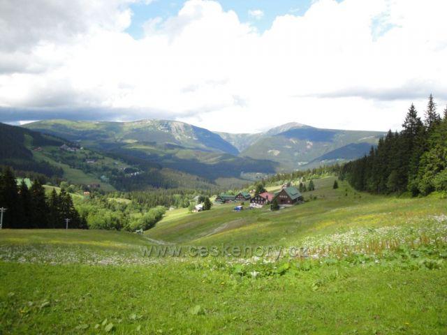 Krkonoše - Pec pod Sněžkou  (pohled na Obří důl a Sněžku)