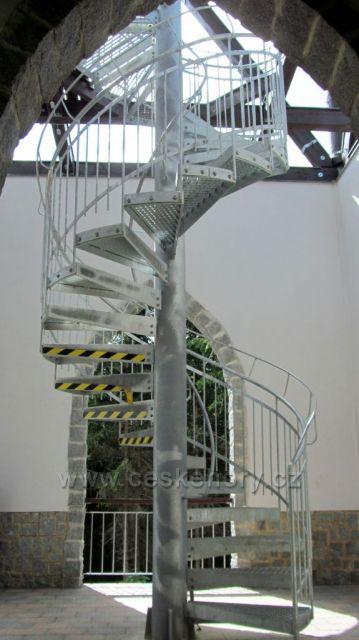 Vzhůru na rozhlednu - 94 schodů