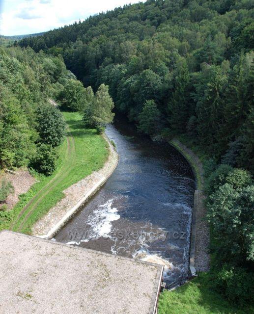 Řeka Chrudimka pod Sečskou přehradou