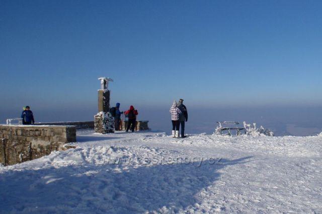 vyhlídková terasa na vrcholu Luže