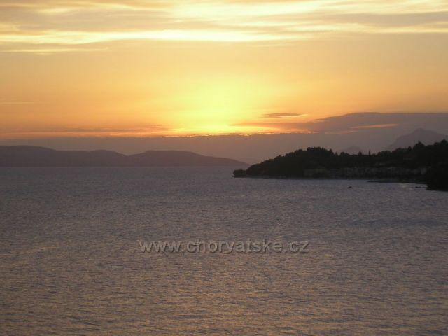 západ slunce nad Bračem z Drašnic