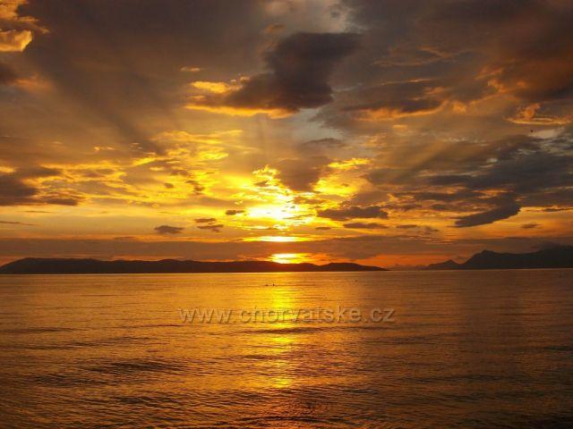 západ slunce nad Bračem