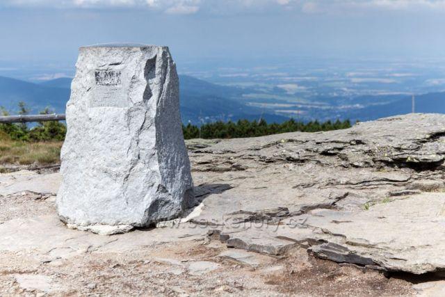 Keprník - (1424 m) je nejvyšší horou v Keprnické hornatině a čtvrtý nejvyšší vrchol Hrubého Jeseníku.