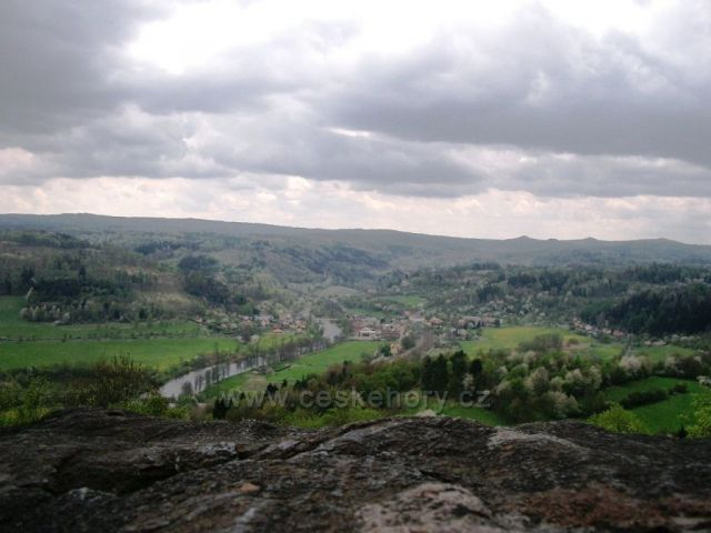 pohled z Vojkovického Špičáku na Vojkovice