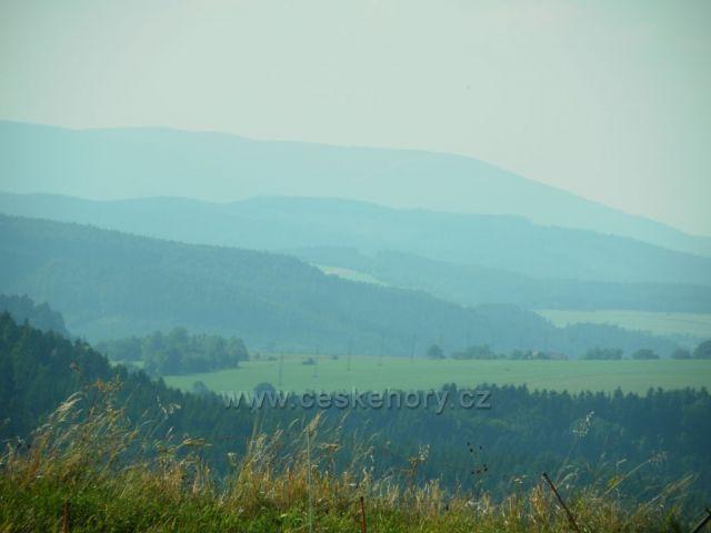 Výhled z Janoviček do dalekých hor