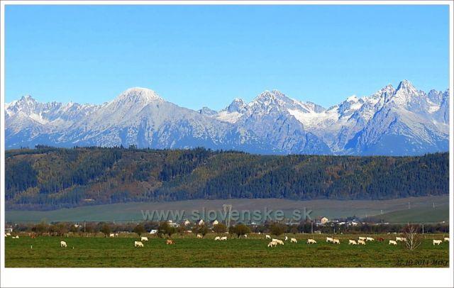 Pohled na Vysoké Tatry ze Slovenského ráje