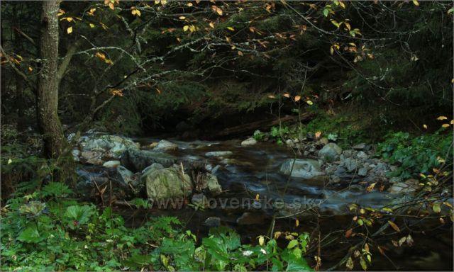 Látaný potok