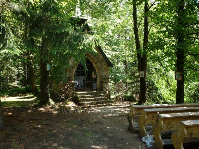 Kaplička / venkovní kostelík v Bílém Kříži