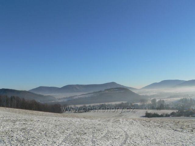 obec Lichnov - kopec na obcí Červený kámen (690 m.n.m.)