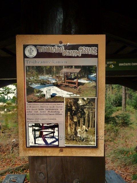 Informační tabule u Trojhranného kamene pod Bradlem