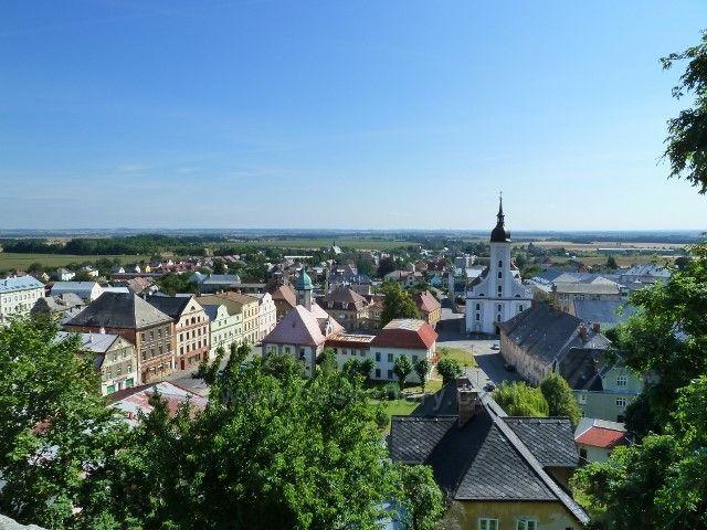 Javorník - pohled na městečko ze zámecké terasy