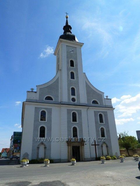 Javorník - kostel Nejsvětější Trojice