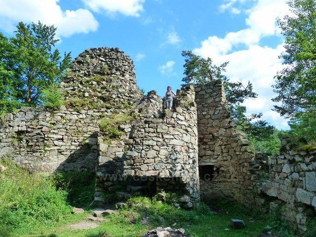 Račí údolí - zřícenina hradu Rychleby