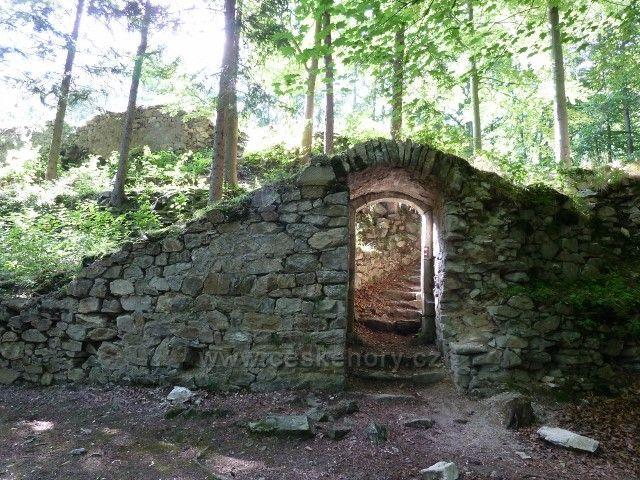 Račí údolí - část zříceniny hradu Rychleby
