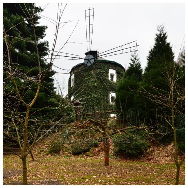 Větrný mlýn v Růžové
