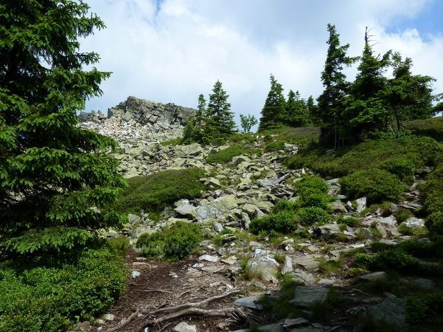 Sestupová trasa po zelené TZ kolem Ztracených skal