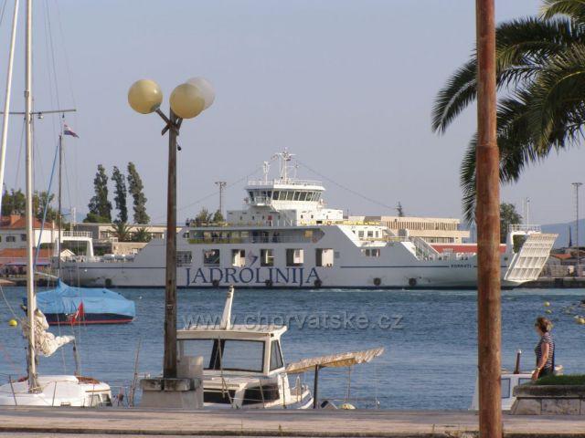 Trajekt v přístavu Ploče