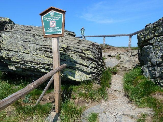 """Poslední """"schod"""" při výstupu na vrchol Keprníku"""