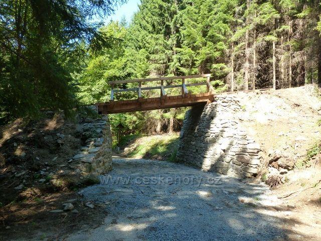 Zrekonstruovaný most bývalé lesní železnice do Aloisova