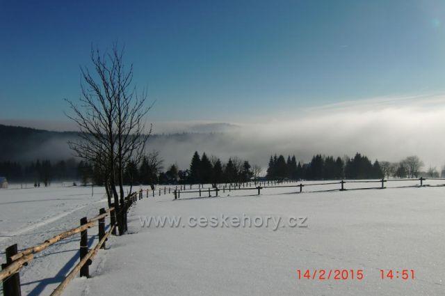 Nad Hřebečnou,pohled na Plešivec