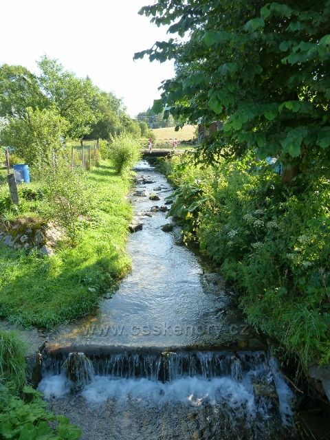 Ostružnou protéká říčka Branná