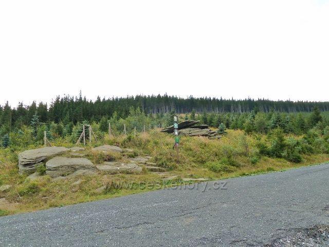Obří skály-cyklostezka z Obřích skal na Javořík a do Adolfovic
