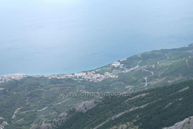 Pohled na Makarské riviéru z hory Sveti Jure